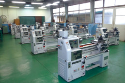 Manual Lathes for Technical Highschool